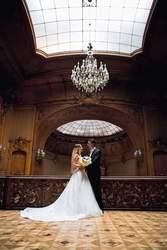 Продам  свадебное платье из Италии