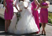 Свадебное платье в прнкрасном состоянии на 5