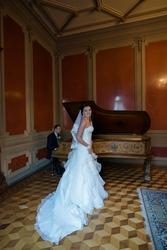 Продам красивое платье из салона
