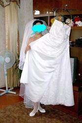 Атласное свадебное платье Киев