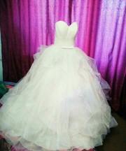 Продам новое свадебное платье.