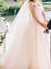 Шикарное свадебное платье в идеальном состоянии. Фото соответствуют.