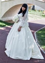 Продам Дизайнерское Свадебное Платье (Евпатория)